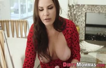 Milf and stepdaughter suck